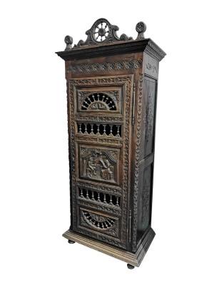 Шкаф антикварный Франция /бретонский стиль 19 век/массив дуба